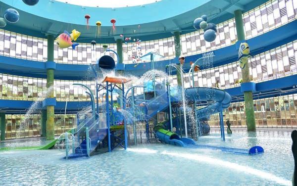 Waterplay in Water Parks – Indoor and Outdoor